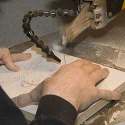Explaining How A Scroll Saw Works